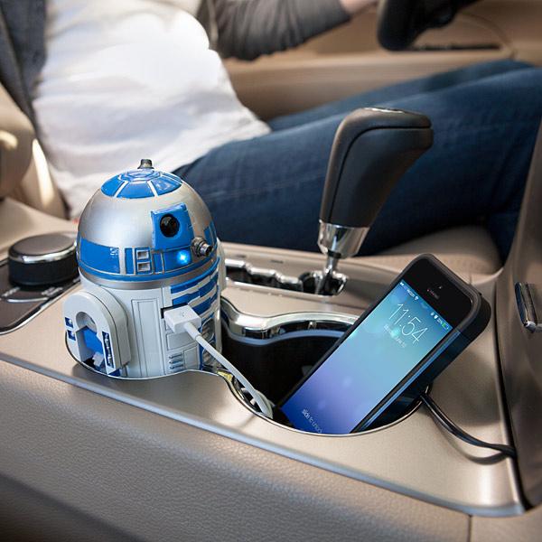 Cargador R2D2 de celular para auto
