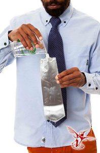 corbata para esconder licor Flasktie