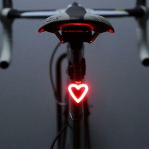 Luz trasera para bicicletas en forma de corazon