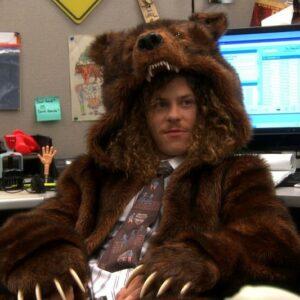 Abrigo de oso adicto al trabajo