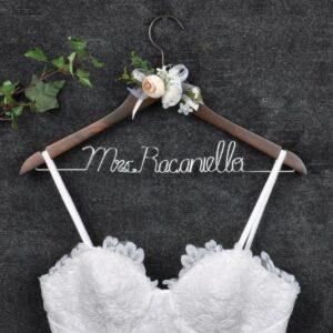 Percha de vestido de novia personalizada